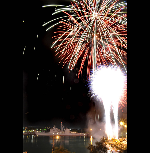 Fireworks-in-celebration-of-the-4th-of-July-over-the-Pearl-Harbor-sky-as-ships-from-14-countries-sit-pier-side